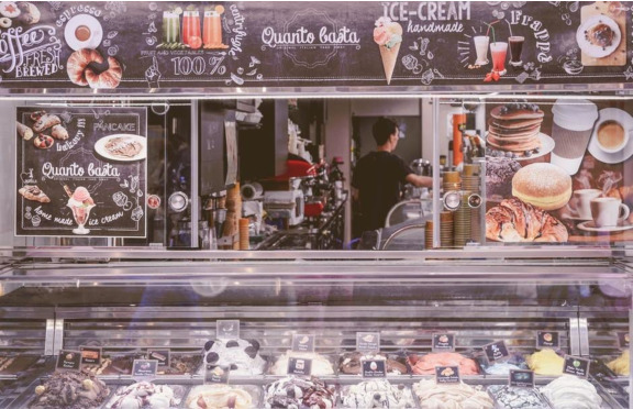 What Kind of Ice Cream Freezer Do I Need for My Ice Cream Parlor?